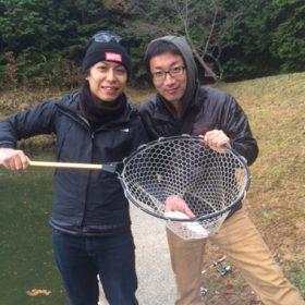 新生ホームサービスの評判釣り師がニジマスに挑戦!