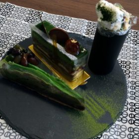 「新茶」の季節到来!!新生ホームサービススイーツ部員が、そこう神戸店デパ地下の抹茶ケーキを食べ比べ
