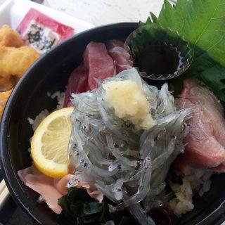 淡路島の海の幸山の幸が食べれる道の駅の食堂