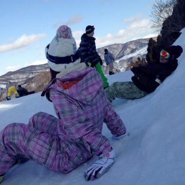 新生ホームサービススノーボードクラブが滋賀で評判のヨゴコーゲンリゾート★ヤップで滑走!